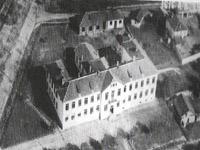 Сградата на училището ползвана от 1925 г. до 1984 г.